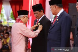 Presiden anugerahi Gubernur Kalsel Satyalencana Kebaktian Sosial