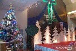 GPIB Immanuel kreasikan pohon Natal ramah lingkungan
