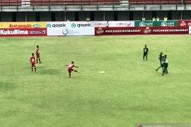 Liga 1: Kalah dari Persebaya, pelatih Badak Lampung tetap puas permainan timnya