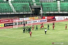 Persebaya ditahan Perseru Badak Lampung tanpa gol pada babak pertama