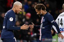 Pandemi corona akan memaksa Neymar bertahan di PSG musim depan