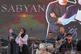 Sejumlah musisi hingga Lucinta Luna rilis lagu religi Ramadhan 2021