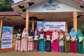 ACT distribusikan beras untuk santri di tiga Pesantren di Simalungun