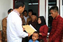 Keluarga penderita stunting di Simalungun diberi rumah layak huni