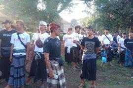 Desa Adat Denpasar tanam ribuan pohon perindang di Setra Badung