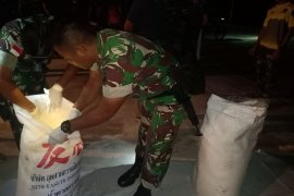 TNI amankan 600 kg gula ilegal di perbatasan Indonesia - Malaysia