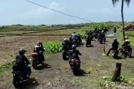 Warga pesisir berharap jalan menuju pantai selatan Cianjur segera dibangun