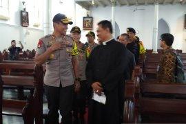 Kapolda Jabar tinjau pengamanan Gereja Katedral Bogor