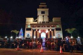 Pesta kembang api dan konvoi kendaraan bermotor di Ambon sambut perayaan Natal