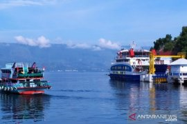 ASDP menambah jadwal penyeberangan Danau Toba