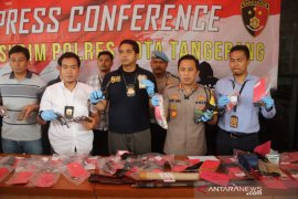EC, pelaku jual beli senjata api diciduk Polresta Tangerang