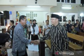 Kunjungi gereja di Bengkulu, Gubernur dan Kapolda serukan pesan damai