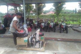 Distan Mukomuko: Pembagian ratusan alat mesin pertanian bertahap