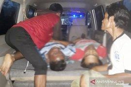 Lima warga tersambar petir saat berteduh di tempat pemotongan kayu, dua di antaranya tewas di tempat