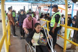 Pekerja migran lumpuh dideportasi dari Malaysia Page 3 Small