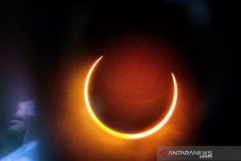 Gerhana Matahari Cincin Parsial di langit Kota Pontianak