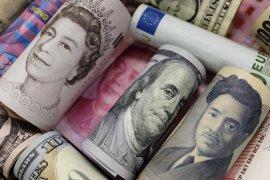 Dolar AS merosot ke terendah 6 minggu, fokus pada pergerakan suku bunga