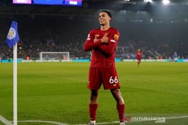 Liverpool menghadiahi Trent Alexander-Arnold kontrak jangka panjang
