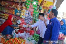 Partai NasDem bagikan 2.000 paket makanan kepada korban gempa Palu-Sigi