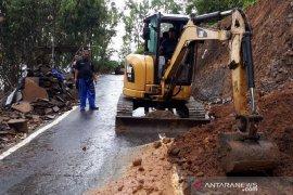 Sejumlah bencana longsor melanda selatan Garut