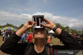FOTO - Momen Langka Gerhana Matahari Cincin di Siak Page 7 Small