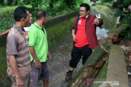 Wabup Bangka Selatan ajak masyarakat Rawa Bangun gotong royong