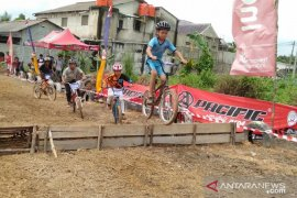 Karang Taruna Gabek Dua-ISSI Babel gelar Kejuaraan Balap Sepeda Mini Cross BMX