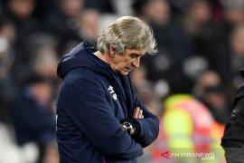 Sejam usai dikalahkan Leicester, West Ham langsung pecat Pellegrini