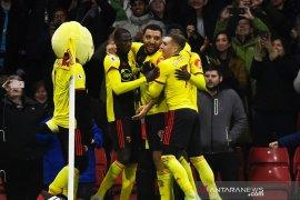 Liga Inggris, Watford lumat Aston Villa dengan 10 pemain