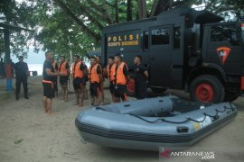 Tim sar Brimob Polda Maluku jaga objek wisata bahari
