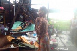 Angin puting beliung rusak puluhan rumah di Kabupaten Banjar