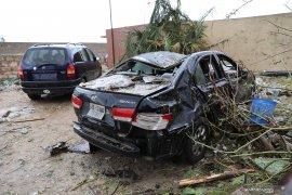 Berita dunia - 28 Orang tewas akibat serangan kamp militer Tripoli