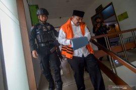 Bupati nonaktif Indramayu diduga terima suap Rp3,6 miliar dari Carsa