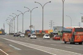 Melalui Pelabuhan Merak, sebanyak 68.758 kendaraan keluar Pulau Jawa