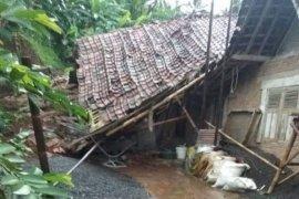 BPBD informasikan satu rumah di Banjarnegara terdampak longsor
