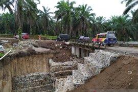 Jembatan bailey Tanah Jawa rampung dirakit