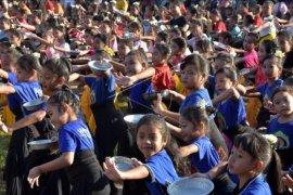 Ribuan anak menari Panyembrahma