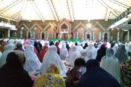 Jelang pergantian tahun, doa dan Dzikir bersama di Masjid Al-Markaz