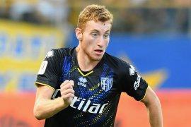 Parma menang 2-1 atas Napoli,  Laga keras diwarnai tiga penalti