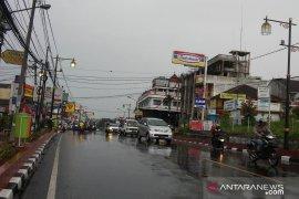 Arus kendaraan di Jalur Puncak Cianjur meningkat