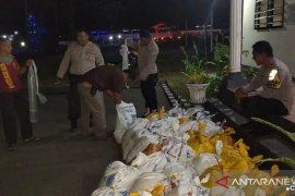 Polsek Amahai musnahkan satu ton liter sopi tujuan jual ke Papua