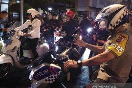Bima Arya patroli gunakan motor pantau malam tahun baru