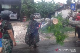 Dinkes: Layanan medis di Puskesmas Waru tak terganggu banjir