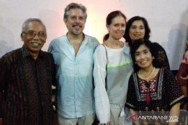 ISI Denpasar hadirkan sutradara Julie Taymor beri kuliah umum