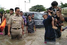 Anies sebaiknya fokus bekerja dan jangan politisasi banjir dengan pencitraan