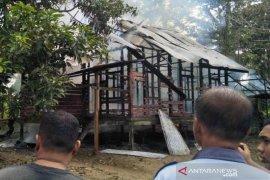 Sebuah rumah di Aceh Utara diamuk api, diduga korsleting listrik