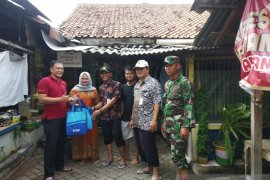 Dinkes Tangerang distribusikan 185 paket perlengkapan mandi balita