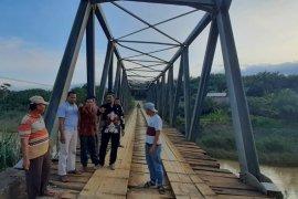 Anggota DPD soroti kondisi jembatan miring di pedalaman Aceh