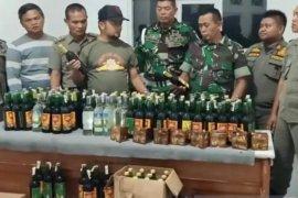 Koramil Cianjur Kota bersama Satpol PP amankan miras dan kopi cleng