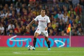 Liverpool incar bek Sevilla Diego Carlos namun bersaing dengan klub-klub besar Spanyol